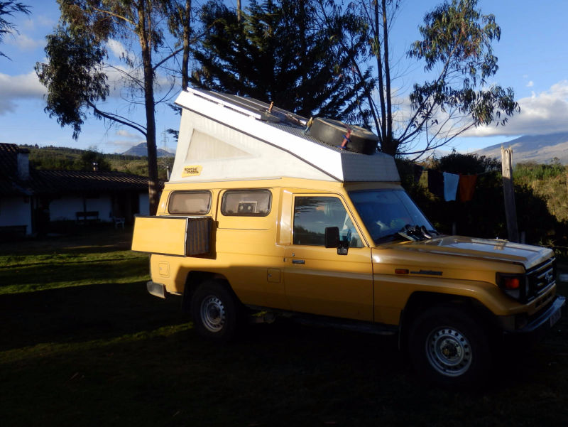 Campground - Camper - Cuello de Luna